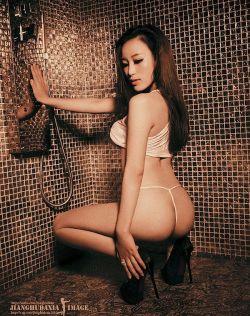极品尤物金夏慧浴室大秀性感美臀