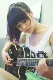 美丽少女李小月的音乐梦想