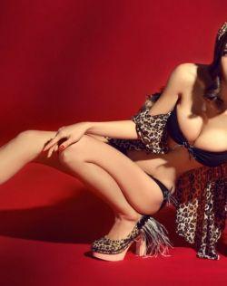 野性美女豹纹性感写真