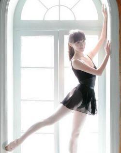 美丽动人的舞蹈女孩,少女与芭蕾
