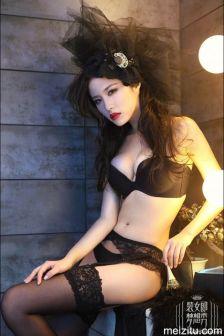 模特晨妮:装女郎梦想秀