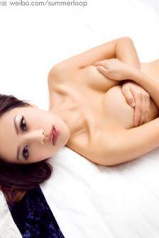 美女模特jeana性感床照尽显诱人身材