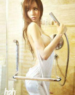 美女的诱惑,叶梓萱的浴室湿身照