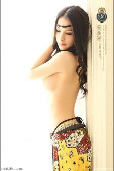 陈子萱Vivi赤裸尽显异域风情