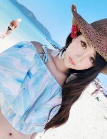 模特夏小薇在阳光普吉岛的惬意生活写真