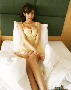 叶梓萱代言页游,身材高挑美腿仟腰诱人