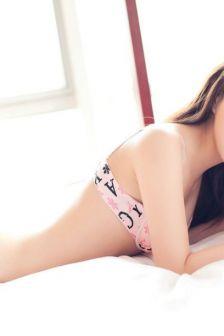 美腿模特韩子萱清纯扮嫩私房写真