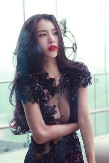 林峰前女友潘霜霜性感酥胸写真