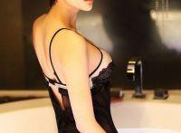 韩卓尔:短发性感浴照