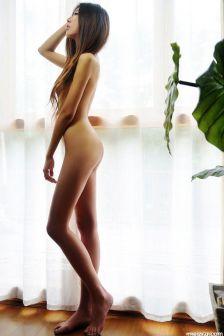 徐颖全裸展示绝美曲线视觉