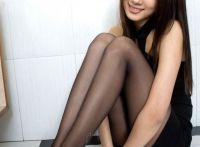 有一张明星脸蛋的甜美系少女美腿写真