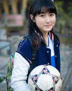 青春无极限,可爱阳光的足球少女
