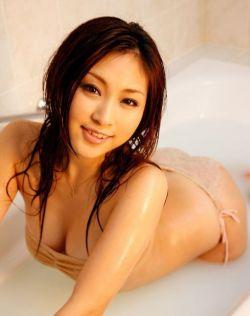 美丽性感少妇浴室写真