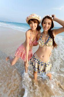 怀念海滩的味道,网络红人张瀞尤比基尼写真