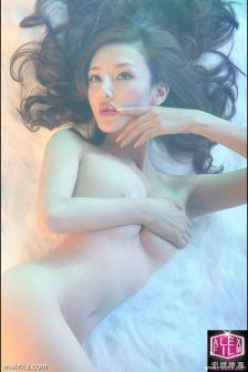 模特Winnie裸体巨乳玲珑凸透