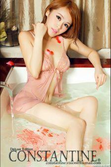 林妍美粉嫩性感贵妃浴